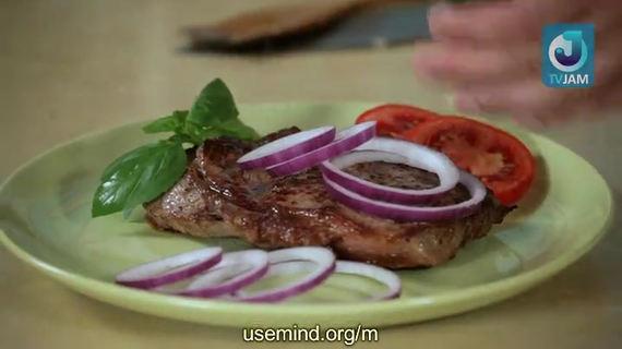 Видеорецепт–Приготовление жареного мяса. Мраморная говядина