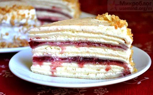 Рецепт – Сливочно-творожный блинный торт с вишневым джемом