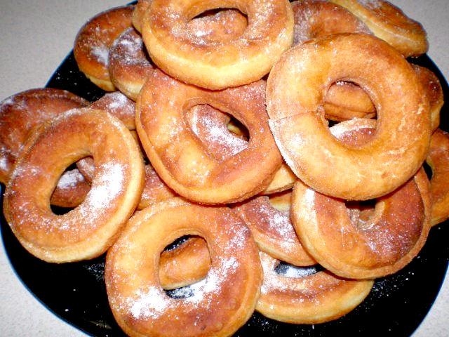 Рецепт - Пончики на сгущёнке