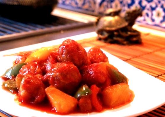 Рецепт – Свинина с ананасами в кисло-сладком соусе