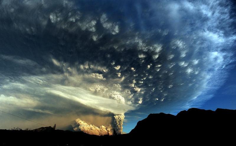 Фото – Извержение вулкана Puyehue в Андах на юге Чили [8 шт]