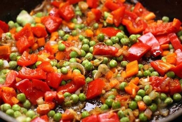 Рецепт – Рис со свининой и овощами