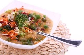 Рецепт – Суп из копченой курицы с фасолью и брокколи