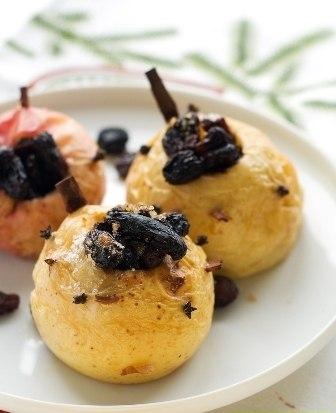 Рецепт – Запеченные яблоки с медом и корицей