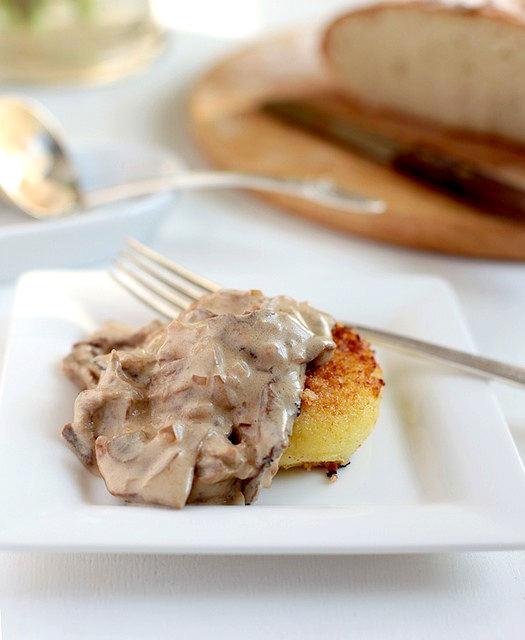 Рецепт - Картофельные котлеты с грибным соусом