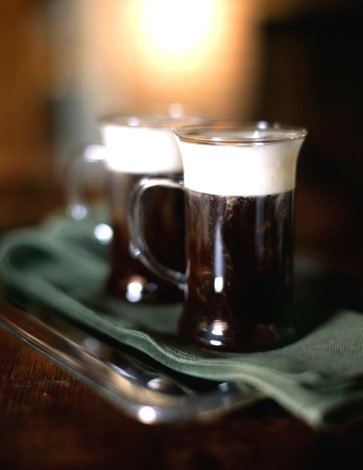 Рецепт – Коктейль «Кофе по-ирландски (Irish Coffee)»
